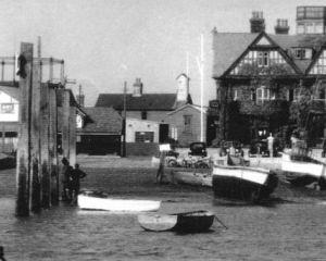Anchor c1940s.jpg