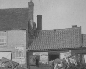 8 Blacksmith and Mills 1895.jpg