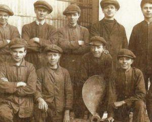 Aldous Apprentices c 1920s enhanced.jpg